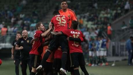 Equipe pernambucana fez três gols no segundo tempo e saiu com a vitória do Allianz Parque (Ricardo Moreira/Fotoarena)