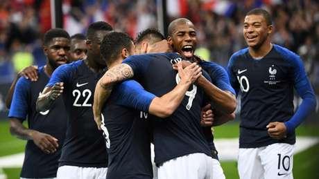 França vence a Irlanda por 2 a 0 (Foto: AFP)