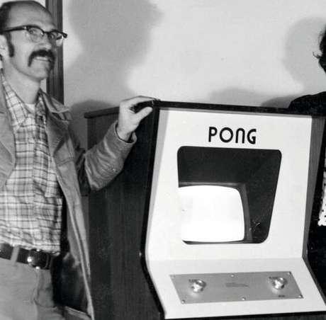 Ted Dabney no lançamento do arcade Pong