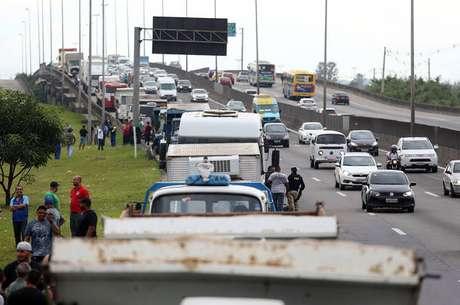 Mesmo após governo ter anunciado acordo com caminhoneiros, paralisações ocorreram por todo País