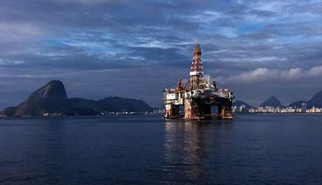 As greves de petroleiros podem afetar a produção da Petrobrás, mas geralmente não interrompem o abastecimento por conta dos estoques das distribuidoras