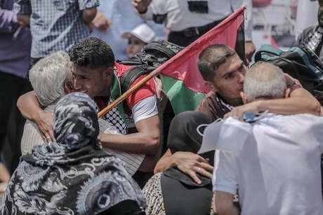 Palestinos protestam na Faixa de Gaza contra Israel