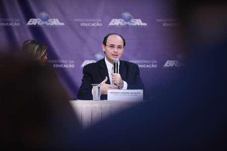 O ministro da Educação, Rossieli Soares da Silva, em entrevista no MEC