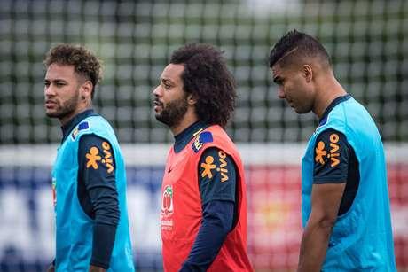 Neymar, Marcelo e Casemiro durante o terceiro treino da Seleção Brasileira em Londres.