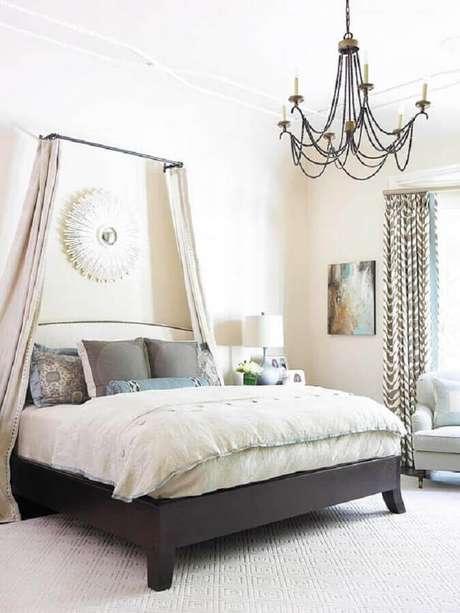 39. Os modelos de lustres para quarto em estilo candelabro são sempre os mais sofisticados