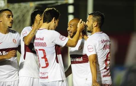 Patrick comemora o gol contra o Vitória