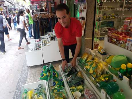 "Saulo Santos, vendedor: ""povo quer é comida na mesa"""