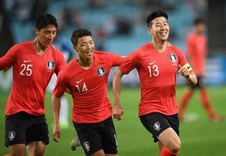 Son é destaque incontestável da seleção coreana (Foto: Jung Yeon-je / AFP)