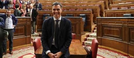 Sánchez se tornará o terceiro socialista a comandar o governo espanhol desde 1977.