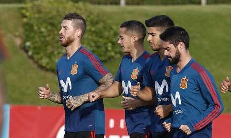 Jogadores do Real Madrid se apresentaram ao técnico Julen Lopetegui (Foto: RFEF/Carmelo Rubio)