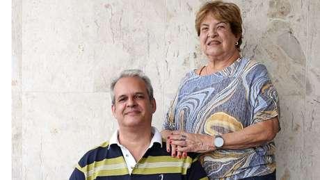 Leonardo Cunha dos Santos (bisneto do Zélio) e Lygia Maria Marinho da Cunha (neta de Zélio) são dirigentes espirituais da Tenda Espírita Nossa Senhora da Piedade