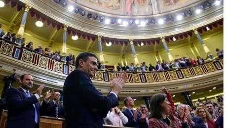 Pedro Sánchez assumiu como primeiro-ministro depois de conseguir aprovar uma moção de censura contra o antecessor, Mariano Rajoy