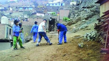 Antes da construção do bosque infantil na capital peruana, o local estava abandonado e acumulava lixo