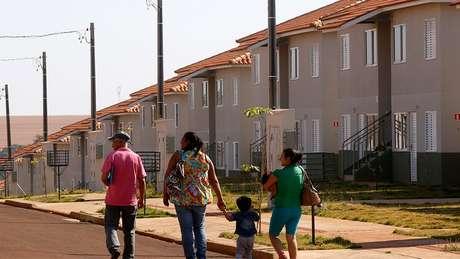Minha Casa, Minha Vida piorou cidades e alimentou especulação imobiliária, diz ex-secretária do governo Lula