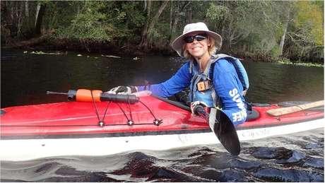 Judy Perkins recebera o prognóstico de que viveria apenas três meses, mas tratamento experimental lhe permitiu não apenas sobrerviver, mas viajar e praticar canoagem
