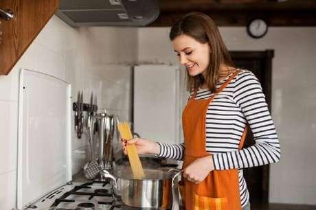 1. Aprenda como organizar e decorar a sua cozinha