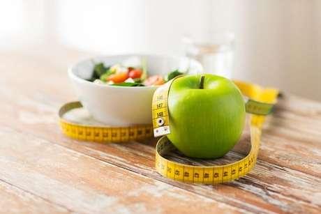 Como fazer uma dieta radical para perder peso rapido
