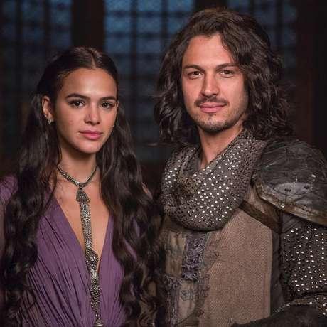 Vilã convence Rei de Montemor a se casar com ela
