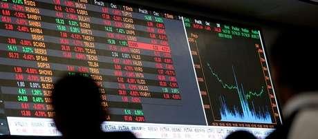 Ibovespa fechou em queda de 1,51% nesta sexta-feira (08), a 72.739 pontos, por conta do temor de investidores com o momento eleitoral