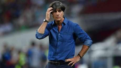 Joachim Low tem dores de cabeça às vésperas da Copa do Mundo (AFP)
