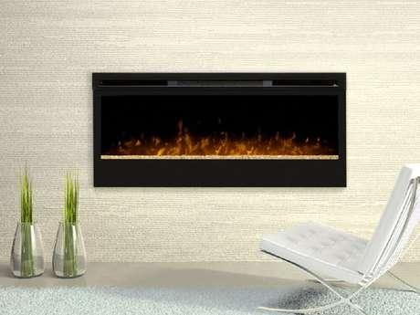 1. Há vários modelos de lareira para aquecer e embelezar a sua casa