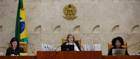 Ministra Cármen Lúcia preside sessão plenária do STF