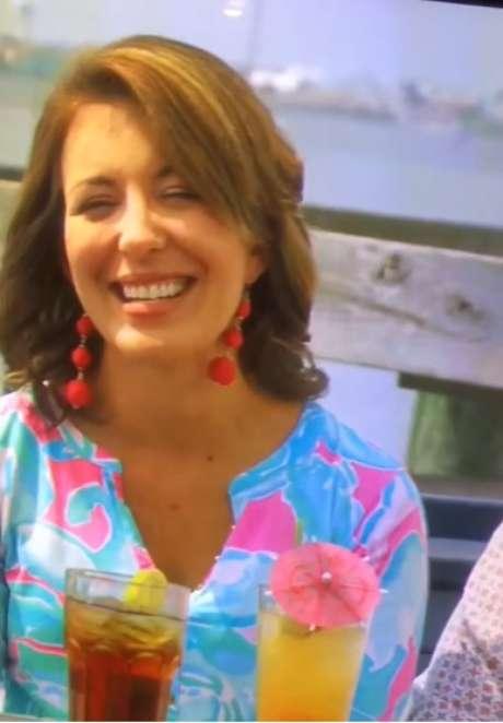 Nicole McGuinness (foto) durante entrevista de televisão que médico detectou o nódulo