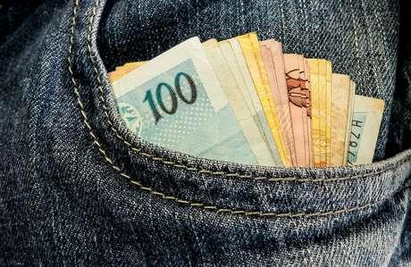 Presidentes e dirigentes partidários recebem das legendas salários que chegam a R$ 27,5 mil por mês