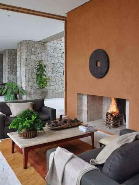 34. Alguns ambientes decorados podem receber todos os modelos de lareiras