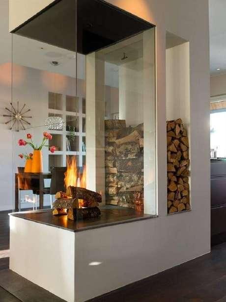 42. Ambientes sofisticados decorados com lareiras de canto