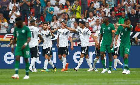Alemanha bateu a Arábia Saudita por 2 a 1