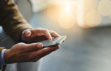Uso de celulares pelos donos faz com que cães se sintam solitários