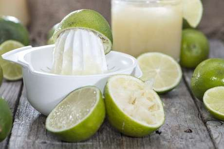 Limão com cúrcuma: poderoso digestivo natural