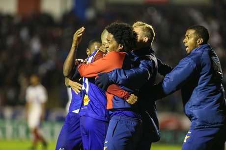 O gol do Paraná foi marcado por Silvinho