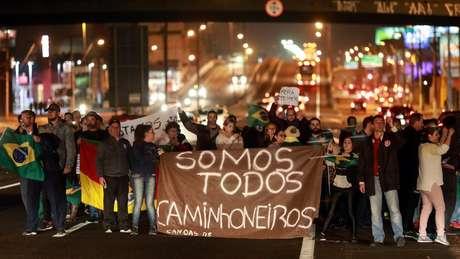 Especialistas acreditam que greve dos caminhoneiros não tem potencial para se desdobrar num 'novo junho'