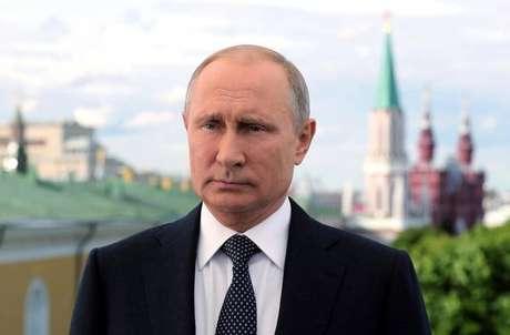 Rússia está 'de coração aberto', diz Putin antes da Copa