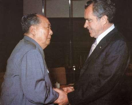 A visita de Nixon à China foi a primeira de um presidente norte-americano em exercício ao país