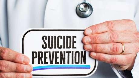 Apenas em dez estados americanos, é obrigatório que profissionais de saúde recebam treinamento sobre prevenção do suicídio.