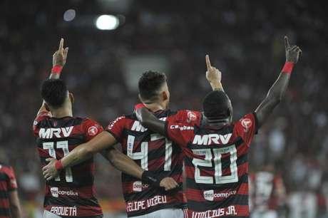 Em cinco jogos no Maracanã, Rubro-Negro venceu quatro e empatou um no Brasileirão (Marcelo Cortes/Fotoarena)