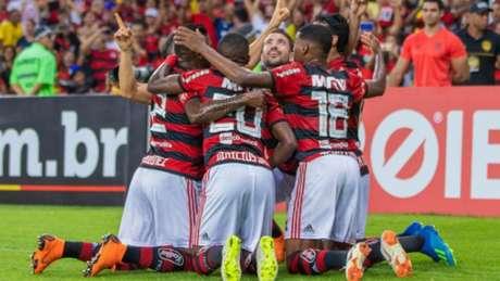 Flamengo 2 x 0 Paraná: as imagens da partida no Maracanã