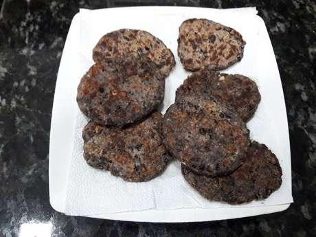 Hambúrguer vegano de feijão preto