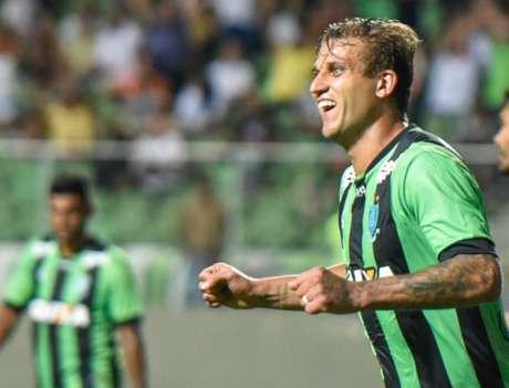 Rafael Moura não pode mais reforçar outra equipe da Série A do Brasileiro (Foto: Mourão Panda / América-MG)