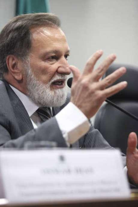 Pré-candidato pelo PDT ao Governo do Paraná, Osmar Dias apoiará Álvaro Dias (Podemos) na corrida presidencial