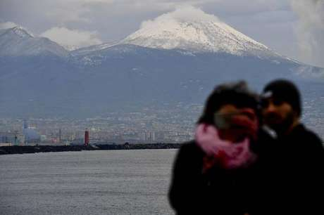 Vista do Vulcão Vesúvio, em Nápoles