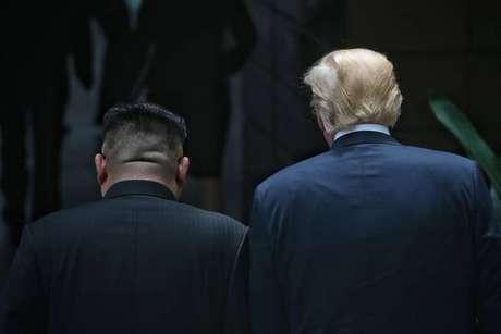 Kim Jong-un e Donald Trump durante cúpula em Singapura