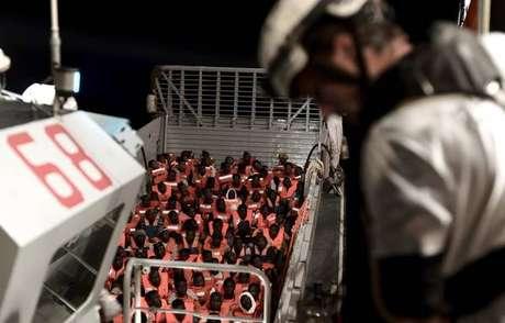 Itália levará migrantes do navio Aquarius para Valência