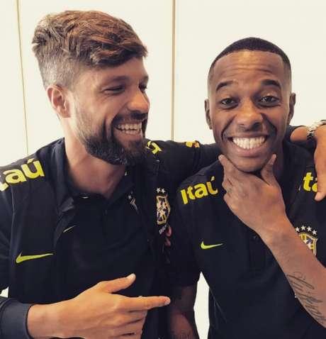 Jogadores estiveram em Santos na noite desta segunda e comentaram sobre o Peixe( Foto: Reprodução/ Instagram)