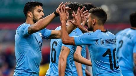 É provável que Arrascaeta seja titular na estreia contra o Egito (Foto: AFP)