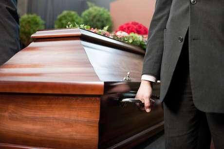 Por falta de dinheiro para o funeral, o italiano manteve o corpo da tia em casa, e agora é acusado de ocultação de cadáver