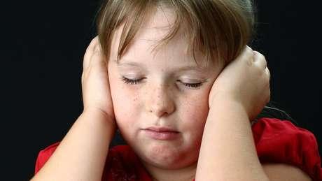 Estimativa britânica é de que cerca de 8% das crianças ouvem vozes com alguma frequência